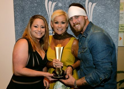 Lorrie Morgan And Children Join To Honor Late Husband